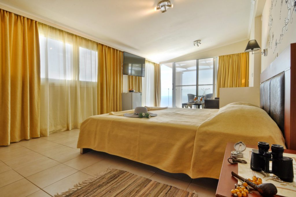 Golden Fox Studios and Luxurious Suites